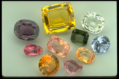 http://www.whiteflash.com/articlefiles/171-corundum.jpg