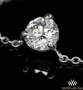 3-prong-diamond-pendant-with-round-cut-diamond