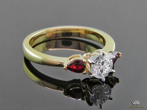 3 stone rubies ring