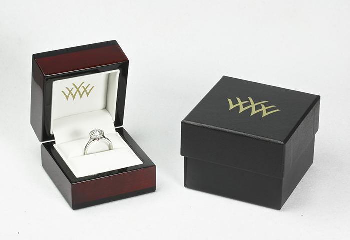Whiteflash Premium Cherry Wood Ring Box