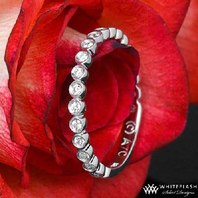 daniell jazz bezel wedding band and red rose