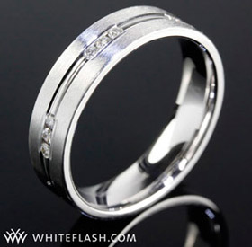 whiteflash-mens-ring-diamonds