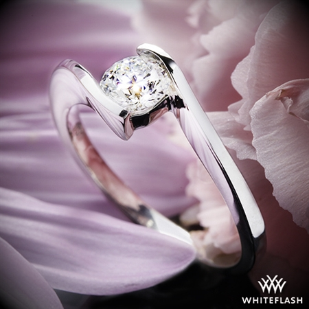 The ring is beautiful and the pictures don