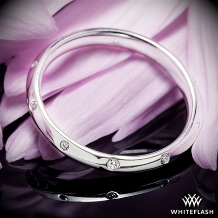 Corazon Scattered Knife-Edge Diamond Wedding Ring