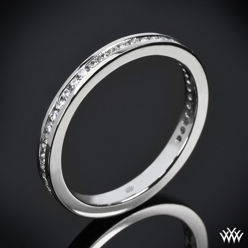 Champagne-set diamond band