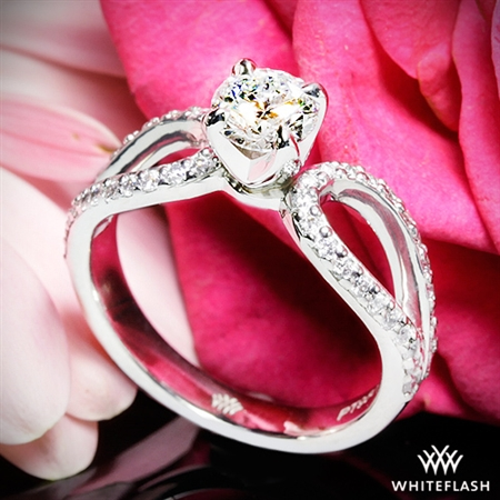 Beautiful beautiful ring! We love it!